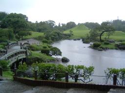 雨の水前寺公園