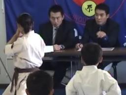 秋岡塾長の鋭い視線