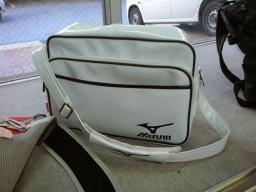スポーツバッグのショートタイプ