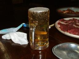 泡のないビール