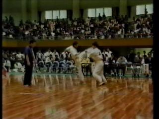 秋岡塾長(左)の若かりし頃1