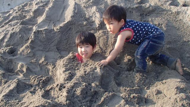 砂に埋もれるソラト